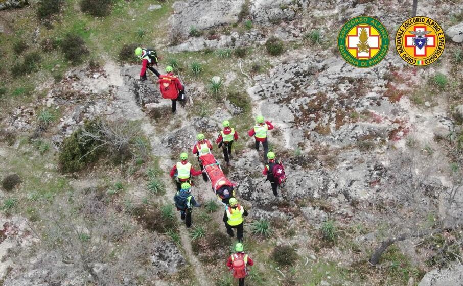 escursionisti dispersi maxi esercitazione nel nuorese