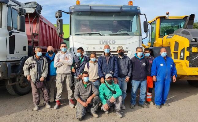 i dipendenti della ditta (foto pinna)