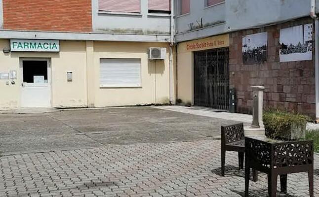 la farmacia di sant anna con le porte chiuse (foto sara pinna)