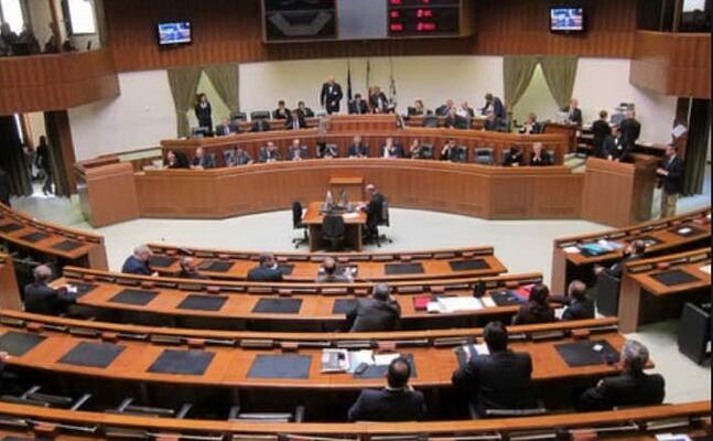 il consiglio regionale della sardeegna (ansa)