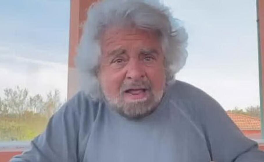 Beppe Grillo difende il figlio: