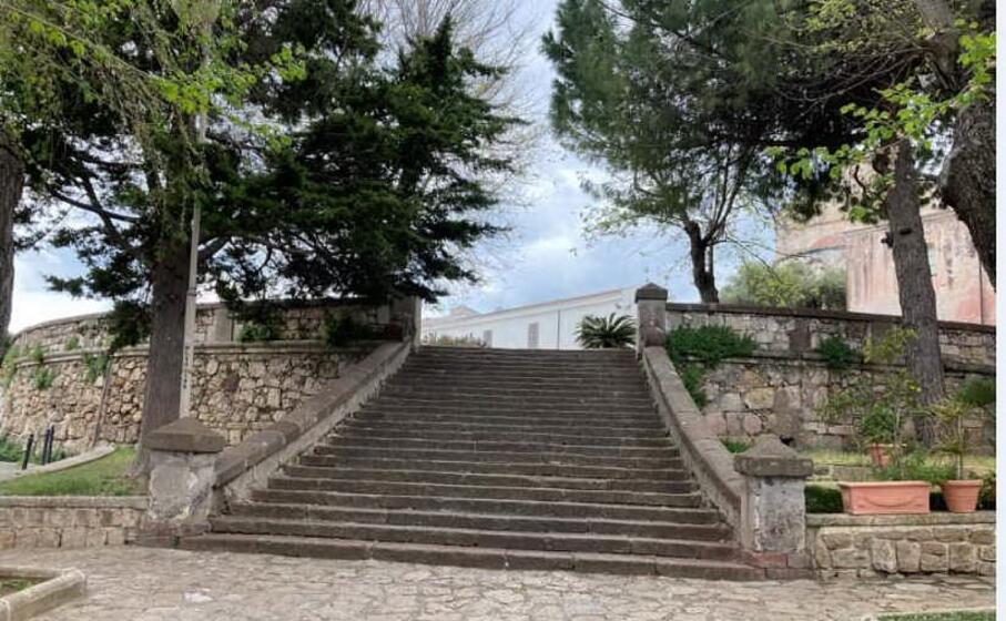 la scalinata di piazza martiri (foto m pala)