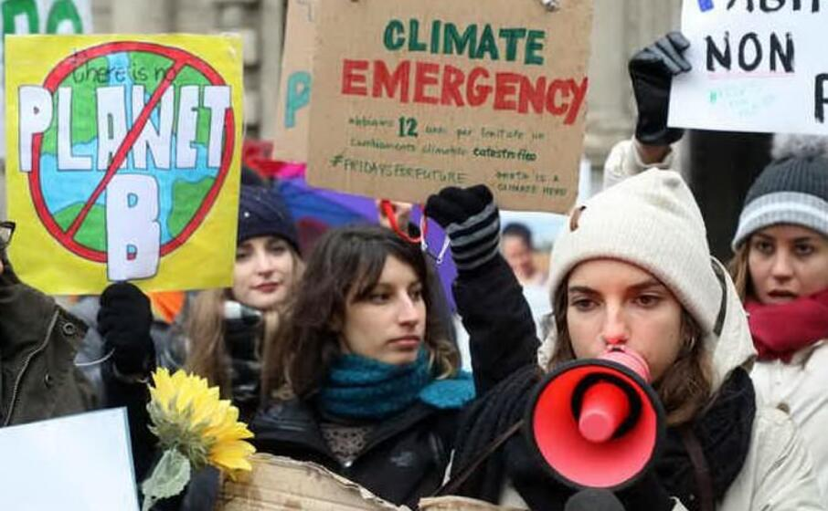 studenti in piazza per il clima (foto ansa)