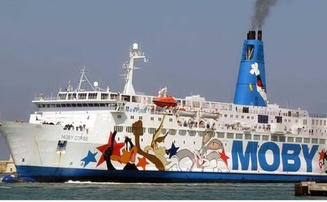 un traghetto moby (archivio l unione sarda)